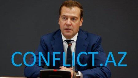 Medvedev yenidən partiya sədri seçildi