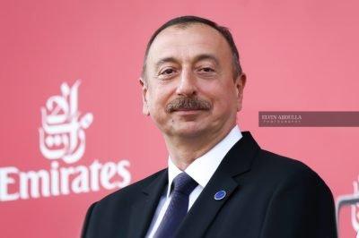 Ali Baş Komandan Poroşenkonu təbrik etdi