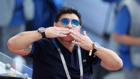 Maradonanın iki saat taxmasının sirri açıldı